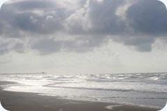 cloudy-beach